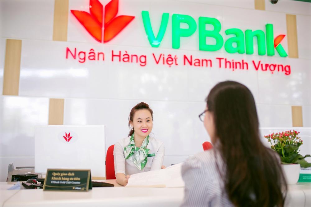 VPBank ủng hộ 10 tỷ đồng cho Bệnh viện dã chiến Hòa Vang và tỉnh Quảng Nam