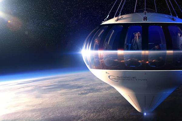 Xe bus lên rìa Trái Đất với giá vé 125.000 USD/lượt