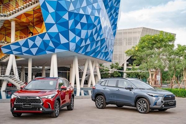 Toyota Corolla Cross ra mắt thị trường Việt, giá 720-918 triệu đồng