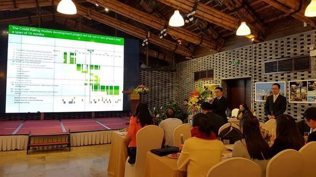 Nhóm định lượng Vietcombank trình bày kết quả xây dựng mô hình với NHNN.