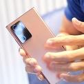 """<p class=""""Normal""""> Note20 Ultra sử dụng pin dung lượng 4.500mAh, Note20 dùng pin 4.200mAh. Các máy sử dụng sạc nhanh 25W, tức trong 30 phút có thể sạc được khoảng 50% pin.</p> <p class=""""Normal""""> Samsung cho đặt trước dòng Galaxy Note từ ngày 6/8, với giá 23,99 triệu (Note20), 29,99 triệu (Note20 Ultra) và 32,99 triệu đồng (Note20 Ultra 5G).</p>"""