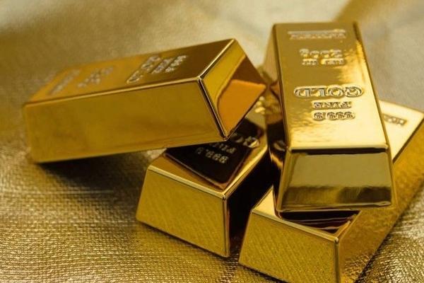 Giá vàng vững mốc trên 62 triệu đồng/lượng