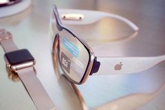 Apple Glass có thể đưa người dùng đến mọi nơi trên thế giới