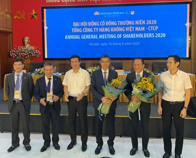 dang-ngoc-hoa-vietnam-airlines-3151-1597