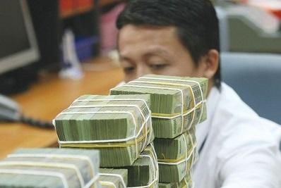 Hạ lãi suất tiền gửi dự trữ bắt buộc để giảm chi phí cho NHNN