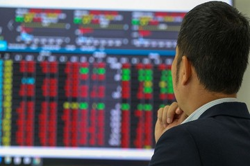 Cổ phiếu bất động sản khu công nghiệp bứt phá, VN-Index tăng điểm nhẹ