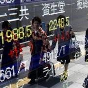 Trung Quốc đáp trả Mỹ, chứng khoán châu Á trái chiều