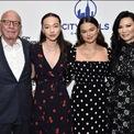 """<p class=""""Normal""""> <strong>2 con gái của Murdoch và Deng, Grace và Choloe</strong></p> <p class=""""Normal""""> Grace và Chloe là 2 người con được tỷ phú Murdoch tin tưởng nhưng lại không có quyền lợi biểu quyết trong gia đình. Hai người này năm nay 19 và 17 tuổi, đồng thời là 2 người con út của tỷ phú truyền thông. Cha mẹ đỡ đầu của 2 cô là ngôi sao điện ảnh Nicole Kidman và Hugh Jackman. (Ảnh:<em> Getty Images</em>)</p>"""