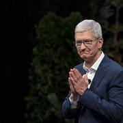 Giá trị của Apple lên gần 2.000 tỷ USD, Tim Cook trở thành tỷ phú