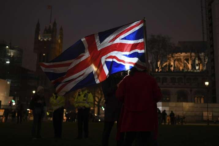 GDP giảm kỷ lục, kinh tế Anh rơi vào suy thoái