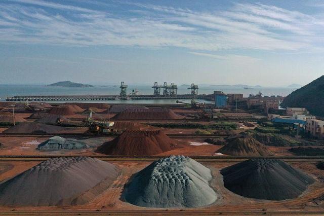 Giá quặng sắt tương lai tại Trung Quốc giảm liên tiếp