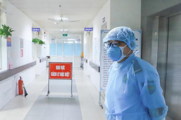 Sáng 12/8: Thêm 3 người nhiễm Covid-19 và 1 trường hợp tử vong