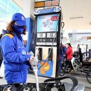 Giá xăng RON 95 giảm nhẹ, E5 RON 92 giữ nguyên