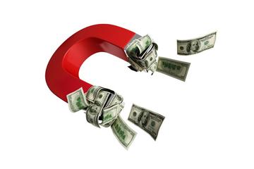 Lãi suất thấp, TTCK có hút được hàng trăm nghìn tỷ đồng tiền gửi của doanh nghiệp?