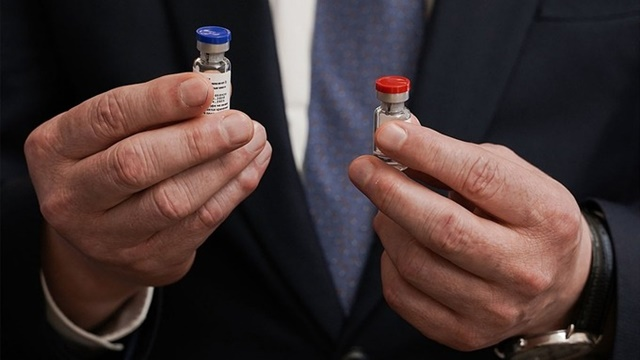 WHO muốn xem dữ liệu an toàn của vắc xin Nga