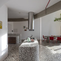 <p> Mọi yếu tố củathiết kế cố gắng tạo ra một kỷ luật về hình dạng hình học trong toàn bộ căn hộ.</p>
