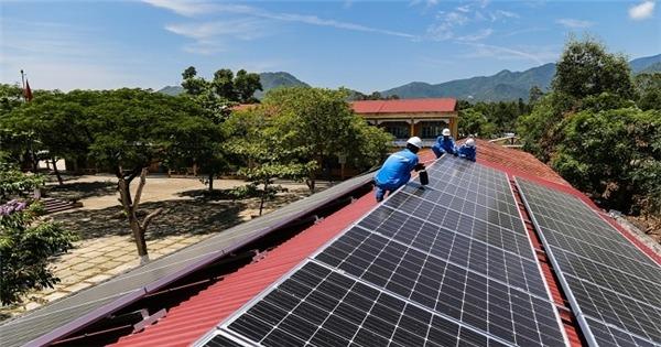 Quy định thiếu rõ ràng khiến điện mặt trời áp mái 'rối như tơ vò'