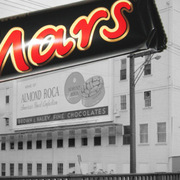 Những bí ẩn đằng sau 'đế chế chocolate' của gia tộc giàu thứ 2 thế giới