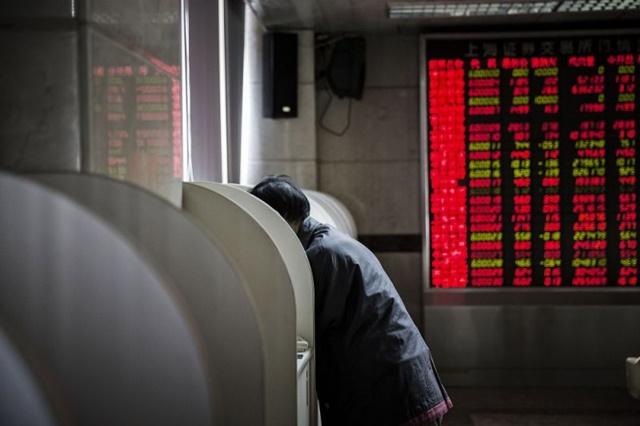Nhà đầu tư nghiệp dư Trung Quốc 'mất ngủ' vì chơi chứng khoán Mỹ