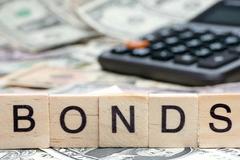 Lãi suất trúng thầu trái phiếu Chính phủ tháng 7 giảm ở tất cả các kỳ hạn