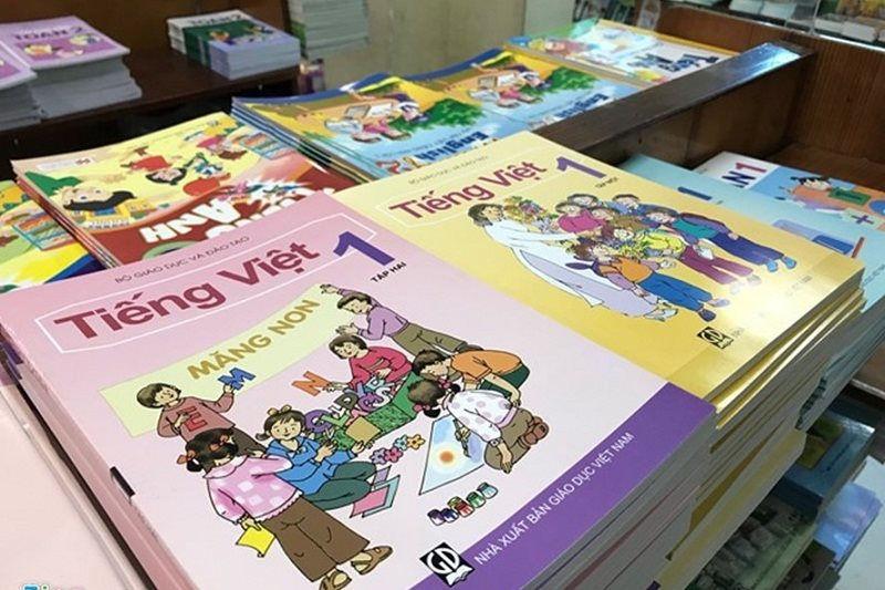 Công ty sách ở Hà Nội mang tiền gửi đi mua cổ phiếu