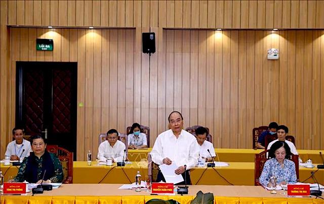 Nguyễn Xuân Phúc, Uỷ viên Bộ Chính trị, Thủ tướng Chính phủ phát biểu tại cuộc làm việc của Bộ Chính trị với Ban Thường vụ Tỉnh uỷ Lâm Đồng.