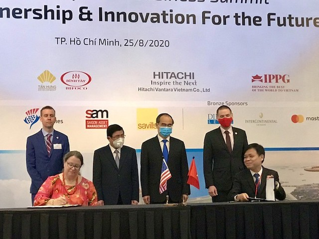 Lễ ký kết thỏa thuận tài trợ của Mỹ cho TP.HCM xây dựng Trung tâm điều hành đô thị thông minh.