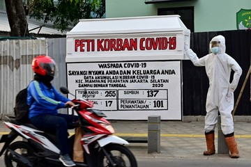 Indonesia thất bại trong kiểm soát đại dịch như thế nào?