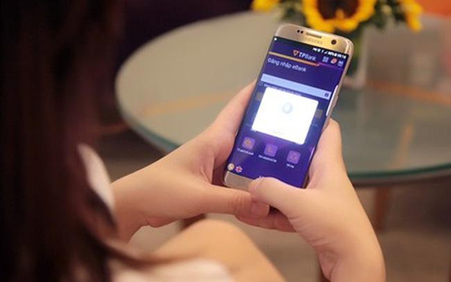 Thanh toán qua Mobile Banking tăng gần 180%