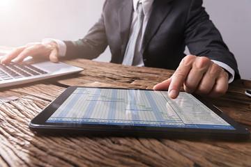Khối ngoại sàn HoSE bán ròng phiên thứ 5 liên tiếp với 234 tỷ đồng, tâm điểm VHM và CCQ FUEVFVND