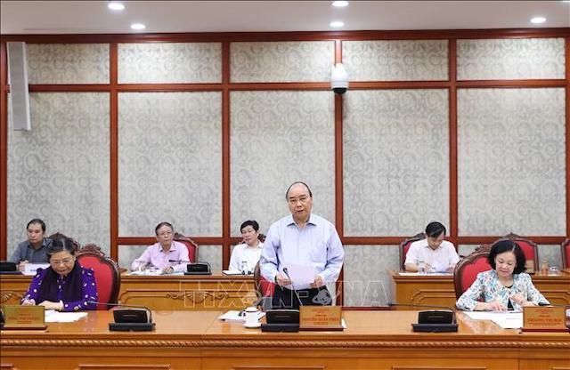 Sáng 25/8/2020, tại Trụ sở Trung ương Đảng, đồng chí Nguyễn Xuân Phúc, Ủy viên Bộ Chính trị, Thủ tướng Chính phủ chủ trì buổi làm việc của Bộ Chính trị với Ban Thường vụ Tỉnh ủy Tuyên Quang.