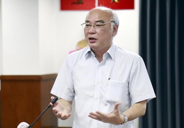 Ông Phan Nguyễn Như Khuê, Phó đoàn Đại biểu Quốc hội TP HCM, tại buổi họp báo. Ảnh: Hữu Công.