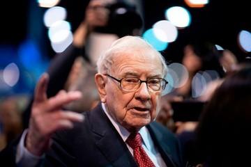 Warren Buffett: 'Tiền mua được nhiều thứ trừ 2 điều này'