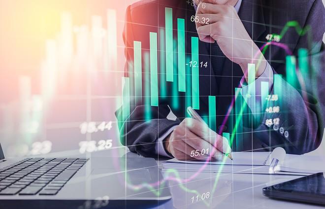 Cổ phiếu chứng khoán đua nhau tăng giá, VN-Index chỉ còn giảm hơn 2 điểm