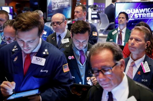 Cổ phiếu công nghệ vẫn bị bán, Phố Wall nối đà giảm