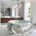 <p> Dinh thự XXII Carat Villa ở Dubai sở hữu phòng tắm thuộc phòng ngủ chính làm bằng đá pha lê có giá 1 triệu USD. Dinh thự XXII Carat Villa có giá từ 10,5 triệu USD.</p>