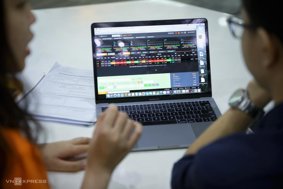 Nhà đầu tư tiếp tục mở mới dưới 30.000 tài khoản chứng khoán trong tháng 8