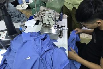 Thu giữ hàng nghìn sản phẩm nhái thương hiệu Adidas, Nike, Gucci