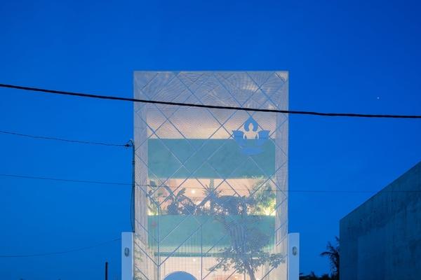 Ngôi nhà ở TP HCM 'nhỏ nhưng không nhỏ' nhờ lối thiết kế sáng tạo