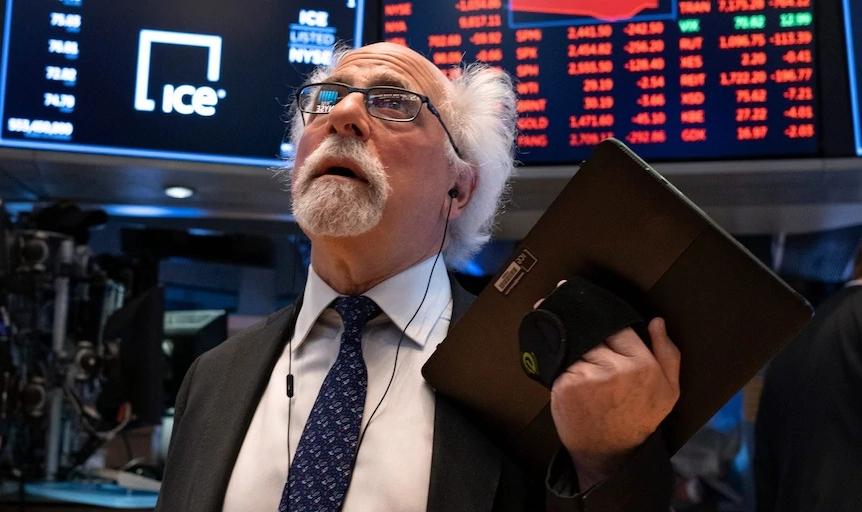 Cổ phiếu công nghệ tiếp tục bị bán tháo, Nasdaq mất 3%, Dow Jones giảm 550 điểm