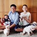 <p> Claudia có cuộc sống khá kín tiếng. Cô tập trung xây dựng thương hiệu ẩm thực riêng tên Plentyfull ở Singapore. Trước khi chuyển sang lĩnh vực ăn uống, Claudia làm việc trong ngành thời trang. Cô kết hôn với Evan Keww, một rich kid nổi tiếng ở đảo quốc sư tử, con trai của ông trùm bất động sản và dệt may Henry Kwee.</p>