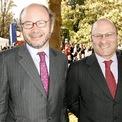 <p> Anh em Alain và Gerard Wertheimer thừa kế đế chế thời trang xa xỉ Chanel từ ông nội Pierre Wertheimer. Mỗi người sở hữu khối tài sản ròng trị giá 32,3 tỷ USD. Theo tờ <em>NYT</em>, nhà Wertheimers cũng được biết đến là những tỷ phú trầm lặng nhất trong làng thời trang. Ảnh: <em>Getty Images.</em></p>