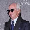 <p> Leonardo Del Vecchio sở hữu 20,9 tỷ USD tài sản, là người sáng lập tập đoàn mắt kính khổng lồ Luxottica và sở hữu nhiều thương hiệu nổi tiếng như Sunglass Hut, Ray-Ban và Oakley. Theo <em>Forbes</em>, đế chế kính của ông còn hợp tác sản xuất kính cho các thương hiệu thời trang lớn bao gồm Chanel và Bulgari. Năm 2018, Luxottica hợp nhất với nhà sản xuất thấu kính Pháp Essilor trở thành nhà sản xuất và bán lẻ mắt kính lớn nhất thế giới. Ảnh: <em>Bloomberg.</em></p>