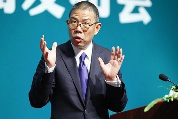 Tỷ phú nước đóng chai giàu nhì Trung Quốc