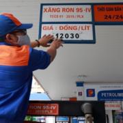 Từ 11/10, niêm yết sai giá bán lẻ xăng dầu bị phạt đến 10 triệu đồng