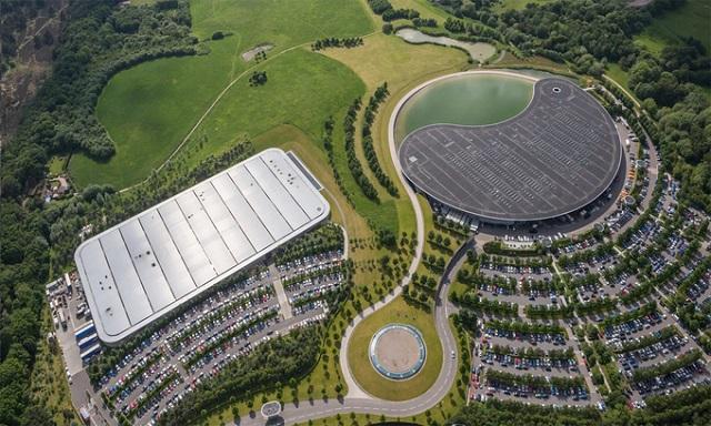 Hãng siêu xe McLaren bán trụ sở chính
