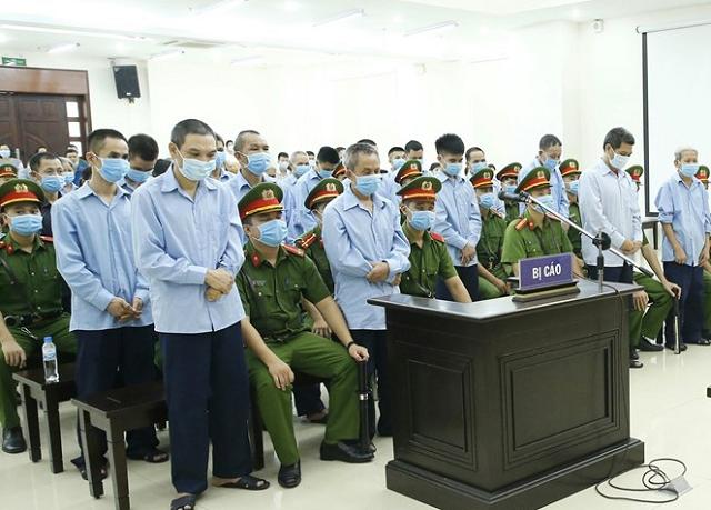 29 bị cáo nghe tòa tuyên án, chiều 14/9. Ảnh: TTXVN.