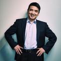 """<p class=""""Normal""""> <strong>Eric Yuan</strong></p> <p class=""""Normal""""> Tài sản: 11 tỷ USD</p> <p class=""""Normal""""> Yuan, đồng sáng lập công cụ hội nghị trực tuyến Zoom vào năm 2011, vừa chứng kiến giá cổ phiếu của công ty mình tăng 450% trong năm nay. Đây là lần đầu tiên Yuan lọt vào danh sách Forbes 400. (Ảnh: <em>Forbes</em>)</p>"""