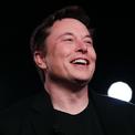 """<p class=""""Normal""""> <strong>Elon Musk</strong></p> <p class=""""Normal""""> Tài sản: 68 tỷ USD</p> <p class=""""Normal""""> Vào tháng 5, công ty tên lửa của Musk, SpaceX, thông báo rằng họ đã huy động được 346 triệu USD với định mức giá 35,9 tỷ USD. Giá cổ phiếu của Tesla cũng tăng gấp 6 lần tính từ tháng 9 năm 2012 đến tháng 7 năm nay, gia tăng 48 tỷ USD cho giá trị tài sản ròng của Elon Musk. (Ảnh: <em>AP</em>)</p>"""