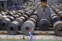 Bị nhiều nước điều tra chống bán phá giá, Trung Quốc hết thời xuất khẩu thép ồ ạt?